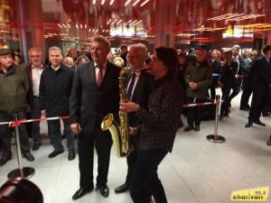 mit OB Dieter Reiter und MVG-Chef Herbert König bei der Eröffnungszeremonie des Zwischengeschoss Marienplatz, © 95.5 Charivari